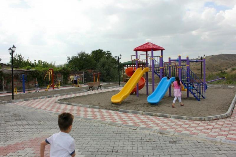 Beşpınar Mahallesi Yol Asfaltlama,Park ve Parke Yapımı