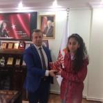 TEOG Sınavı'nda Türkiye Birincisi Olan ve Dereceye Giren Öğrencilere Belediye Başkanı'mız Hediye Takdim Etti